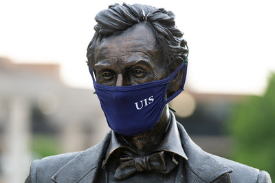 Lincoln statue with UIS mask
